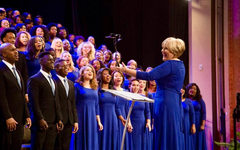The Divine Gospel Choir – The Brooklyn Tabernacle Choir